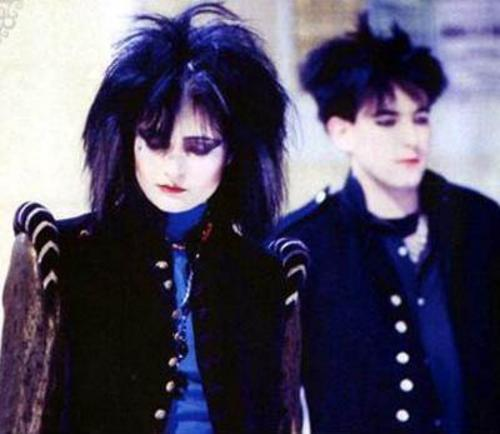 siouxsie-sioux-robert-smith--large-msg-11948932146