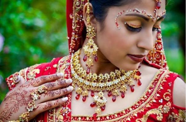 makeup_hindu_2