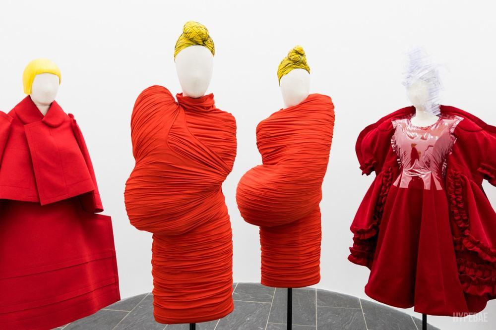 http-bae.hypebeast.comfiles201705met-2017-exhibition-comme-des-garcons-rei-kawakubo-12